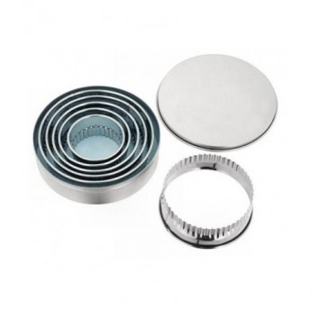 Crickle Edge Round Cutters in tin